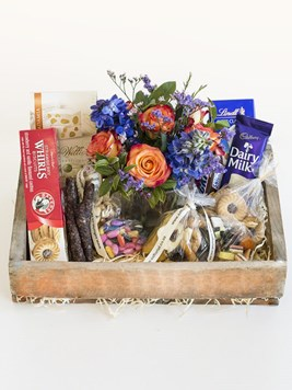 Snack & Gift Hampers: Happy Gift Box