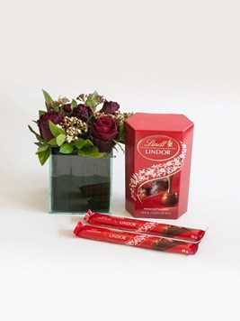 Arrangements: Lindt Floral Treasure