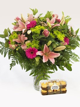 Arrangements: Heavenly Pink Vase Arrangement with Ferrero Rocher
