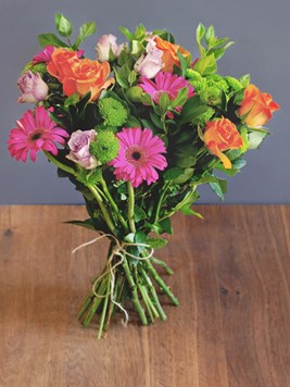 Bouquets: Pops of Colour